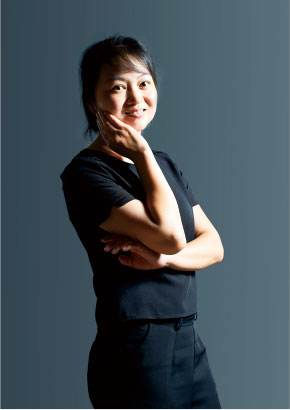 亚搏官网平台登录广告设计客户经理罗兰霞